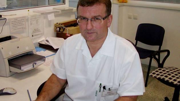 Primář gynekologicko-porodnického oddělení v Přerově Lumír Studený.
