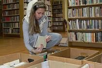 O burzu knih má veřejnost v Hranicích tradičně velký zájem