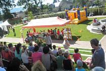 Zámeckou zahradu zaplnilo zábavné odpoledne Charity Hranice