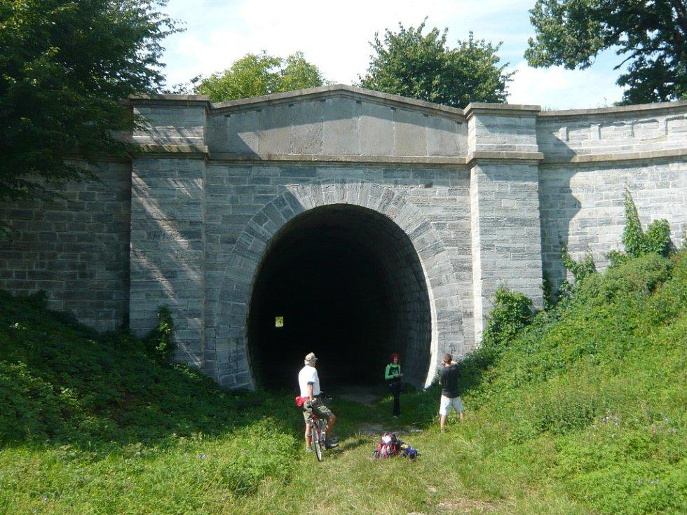 Historický tunel Ferdinandovy dráhy ve Slavíči.
