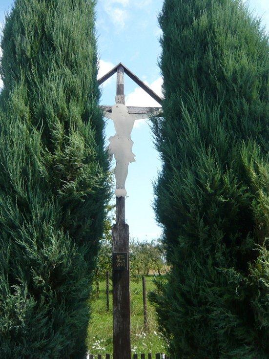Kříž v Přední Famílii.