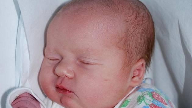 Ela Nebeská, Hranice, narozena 16. září 2011 v Přerově, míra 50 cm, váha 3 350 g