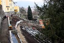 Rekonstrukce zámecké zahrady v Hranicích. Únor 2015
