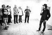 Roman Helcl, syn fotografa Oli V. Helcla, jehož výstava je ve Staré radnici k vidění do 14. října