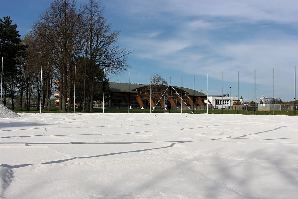 Nové hřiště na plážový volejbal bude na Plovárně v Hranicích.
