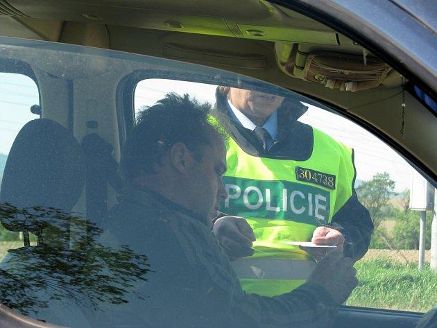 Snaha snížit na Hranicku kriminalitu byla hlavním smyslem úterní policejní akce s výstižným názvem Razie. Muži v uniformách se při ní zaměřovali mimo jiné na dodržování rychlosti a dalších pravidel silničního provozu.