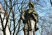 Socha Sv. Jana Nepomuckého na náměstí 8. května v Hranicích.