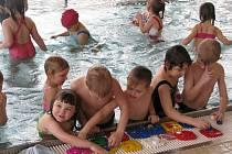 Děti z Mateřské školy Míček v Hranicích absolvovaly kurz plavání.