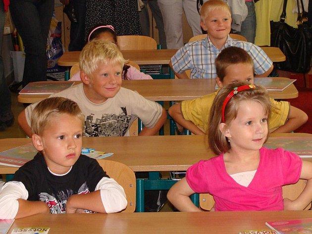 Do lavic přerovských škol zasedli noví prvňáčci.
