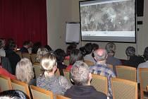 Odborného semináře k Zbrašovským aragonitovým jeskyním v sále sanatoria Moravan se účastnila řada vědců.