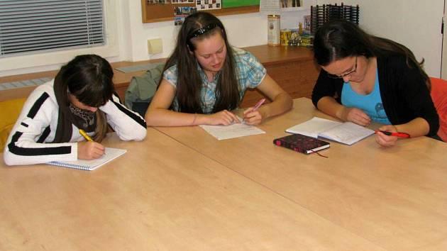 Tvůrčí psaní je v Domě dětí a mládeže v Hranicích zcela novým kurzem. Navštěvují ho děti z Hranic a okolí.
