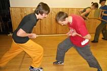 Účastníci setkání se naučili ruský způsob sebeobrany.