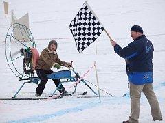 Závody sněholetů v Podhoří