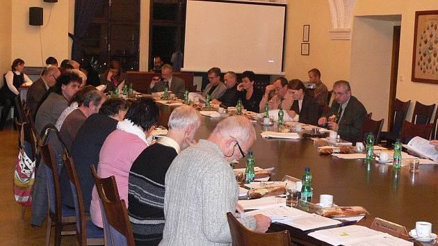 Zasedání zastupitelstva v Hranicích. Ilustrační foto