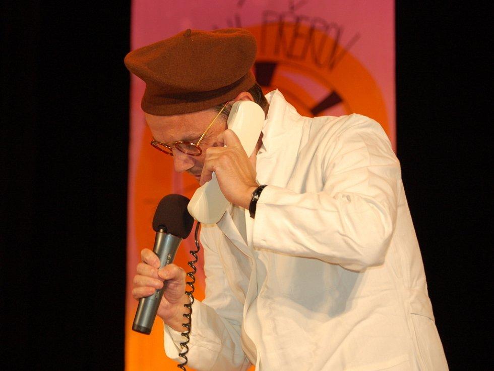 Přehlídka divadelních souborů zdravotně postižených s názvem Divadelní Přerov zaplnila v úterý 30. září odpoledne velký sál Městského domu v Přerově.