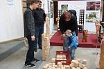 Maturanti Střední průmyslové školy Hranice vystavovali spolu se studenty z Bystřice pod Hostýnem a Ostravy ukázky svých závěrečných prací. A že se bylo na co dívat!