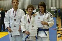 Železo přivezlo z Mistrovství České republiky tři medaile .