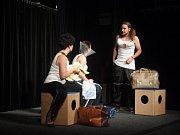 Divadlo Štěk & spol. Uvedlo v pátek 12. října v Divadle Stará střelnice svou fungl novou hru Koule.