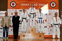 Jana Poletinová na nejvyšším stupínku MČR Masters.