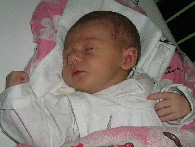 Veronika Zdařilová, Rokytnice, narozena 6. listopadu v Olomouci, míra 50 cm, váha 3330 g