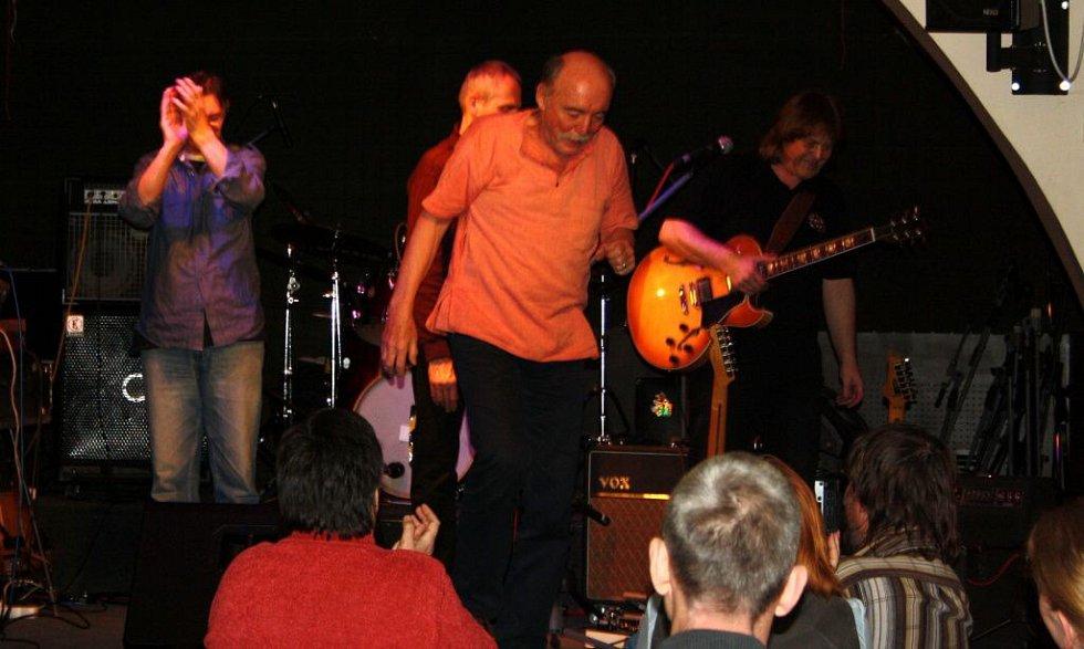 Martin Kratochvíl a Jazz Q v hranickém Zámeckém klubu
