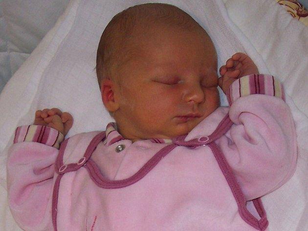 Eliška Mrvová, Luková, narozena 16. května v Přerově, míra 52 cm, váha 3 240 g