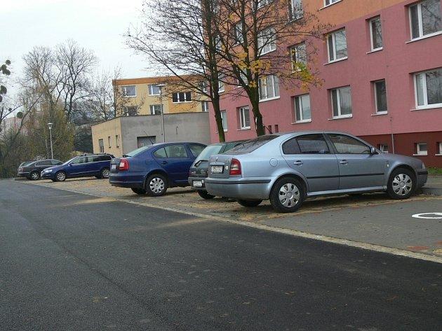 Nové parkoviště u ulice Rezkova v Hranicích