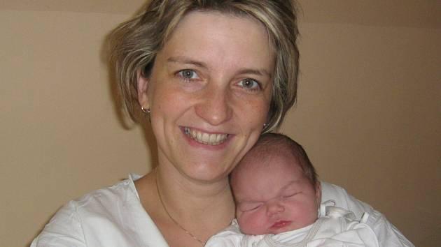 Marie Březíková, Hranice, narozena 26. října v Olomouci, míra 52 cm, váha 3690 g