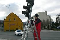 Oprava poškozeného semaforu na křižovatce u Motošína v Hranicích