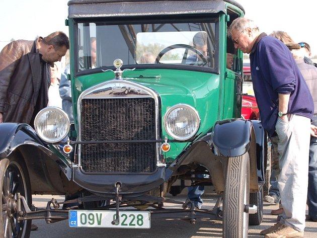 Velká cena Přerova byla první letošní akcí v regionu určenou pro milovníky starých automobilů.