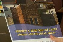 Nástěný kalendář s kapličkami je k dostání v Městském informačním centru.