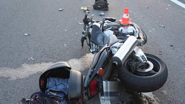 Tragická nehoda motorkáře mezi Drahotušemi a Slavíčí