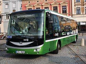 Šest nových elektrobusů