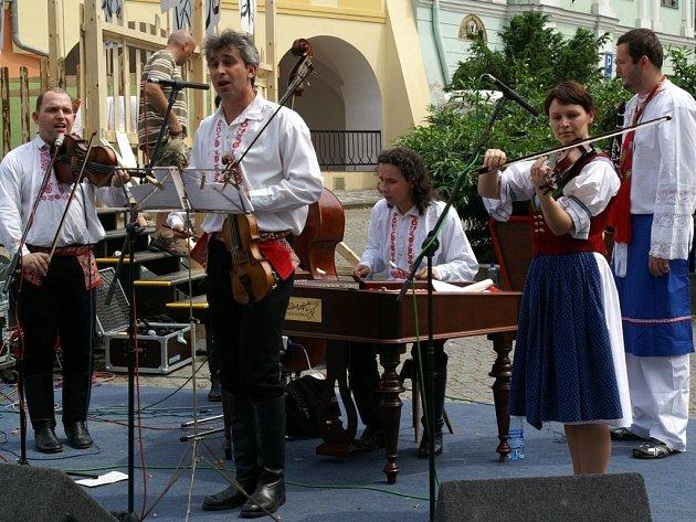Letošní ročník festivalu v Zámku a podzámčí se bude věnovat svatbě.
