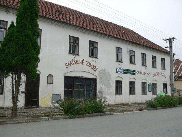 Zbudovy bývalého hostince vČernotíně má vzniknout nová restaurace