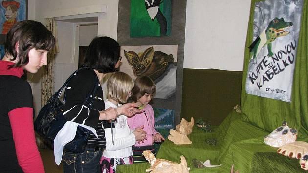 Výstava prací žáků výtvarného oboru hranické zušky v Galerii M+M
