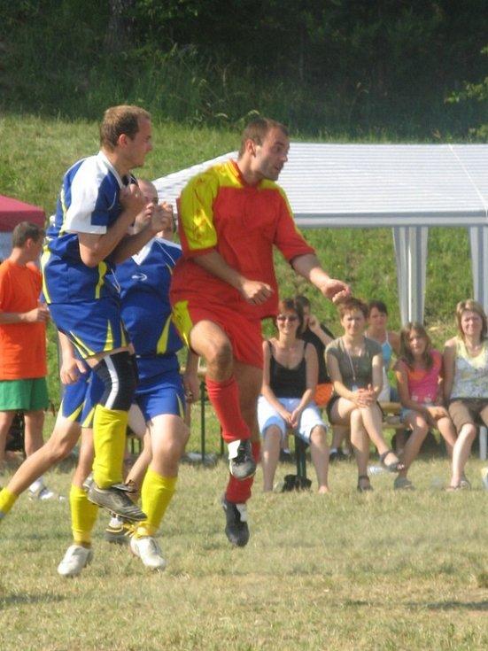 Finálový zápas mezi domácím Veselíčkem a Dolním Újezdem.