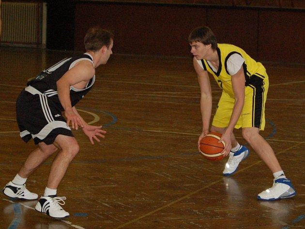 Jiří Střípek, mladý nováček v přerovském dresu, nastřílel proti Porubě 20 bodů.