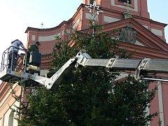 Zdobení vánočního stromu na hranickém náměstí