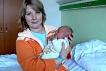 Adam Štugel z Prostějova se mamince Ivaně pochlubil svými 50 cm a 3,65 kg.