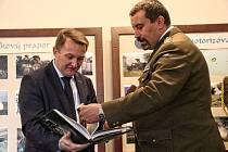 V měsíci říjnu do Hranic zavítal slovinský velvyslanec, který uctil památku Hermana Potočnika, který zde studoval a také dorazili absolventi hranické vojenské akademie.