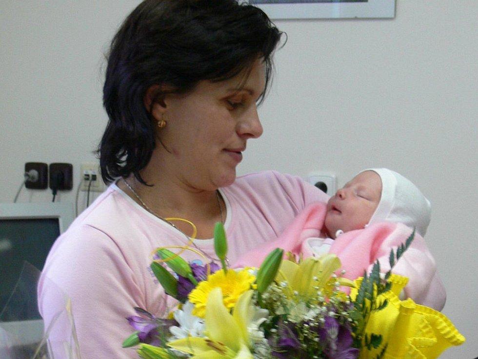 Maminka Jaroslava Zapletalová s malou Denisou.