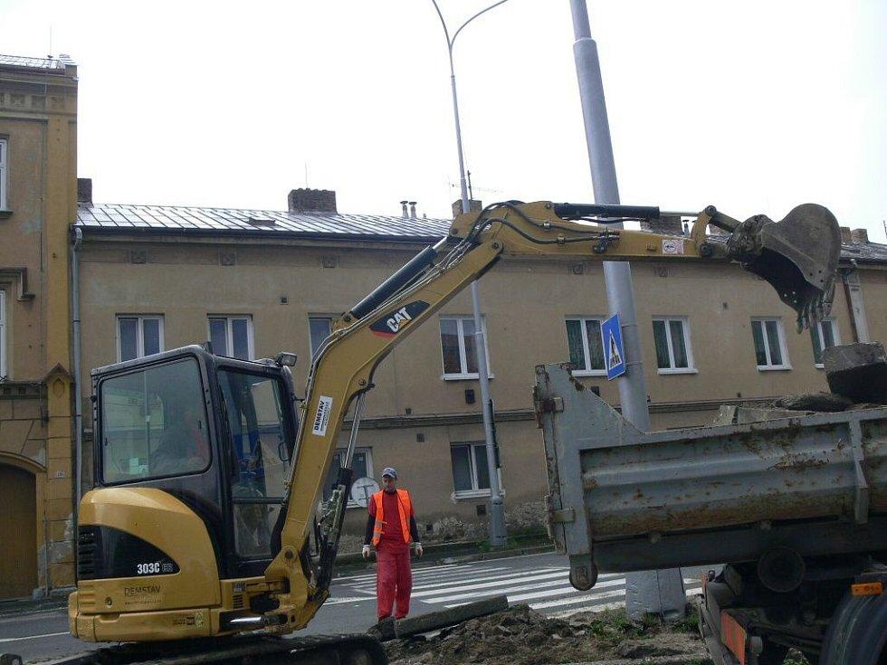Stavba bezpečnostních ostrůvků na třídě Čs. armády v Hranicích