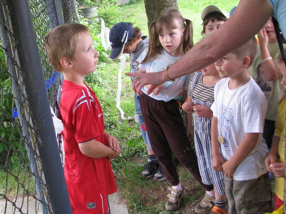 Hledání pokladu se děti z hranické školky Klíček zhostily se vším nadšením.