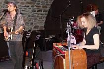 Kapela Traband v Zámeckém klubu v Hranicích