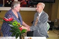 Své sto první narozeniny oslavil v pondělí 4. června Josef Jurajda z hranického Domova seniorů