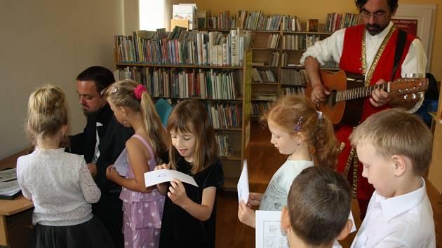 Pasování prvňáčků ze ZŠ Šromotovo na čtenáře