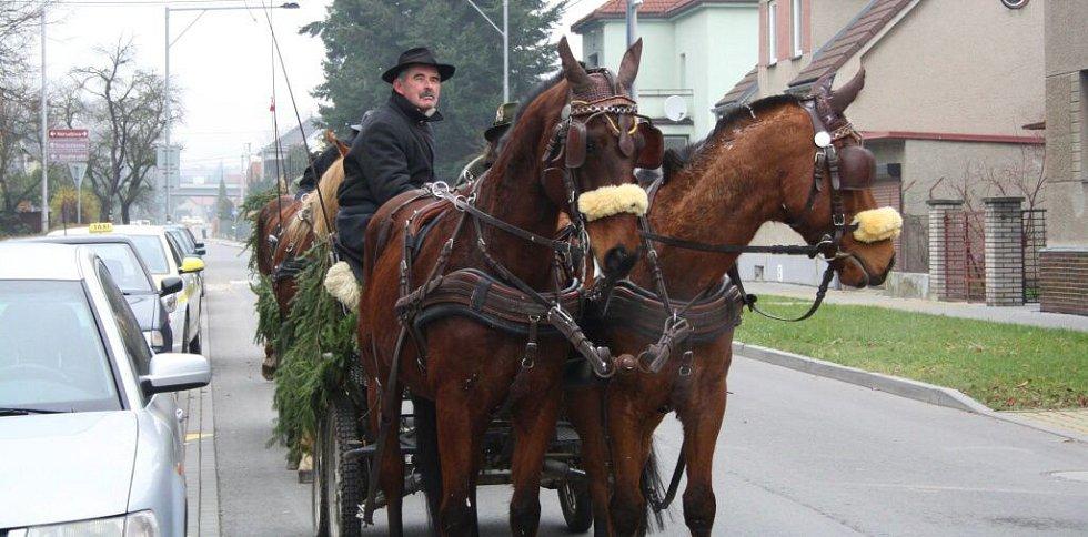Lovecká družina ze Střední lesnické školy v Hranicích zvala veřejnost na Hubertskou zábavu