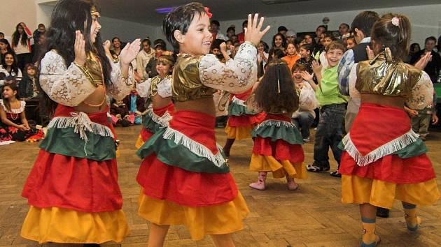 Další ročník soutěžní přehlídky romských tanečních skupin.