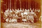 Dělníci v lese.